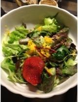 Con questo caldo una bella ricetta estiva: insalata mista con arancio e rosso difragola!