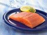 Come mangiare quando fa molto caldo, una ricetta estiva: carpaccio disalmone